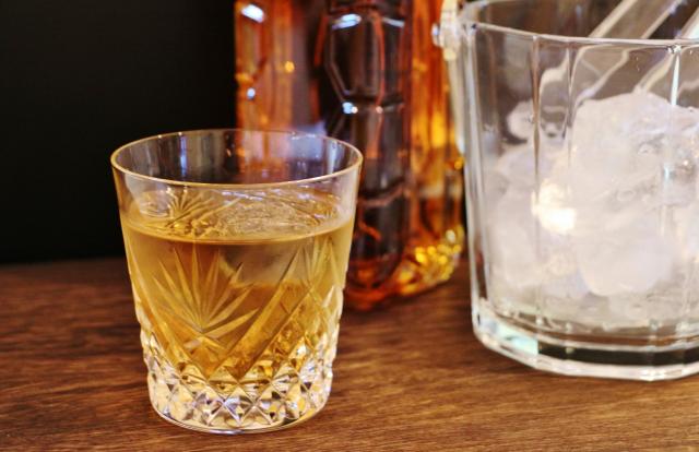 ウィスキーと氷