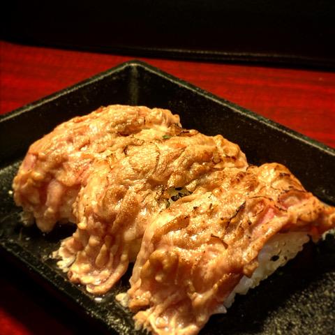 北海道しゃぶしゃぶポッケ 函館店の炙りラム寿司
